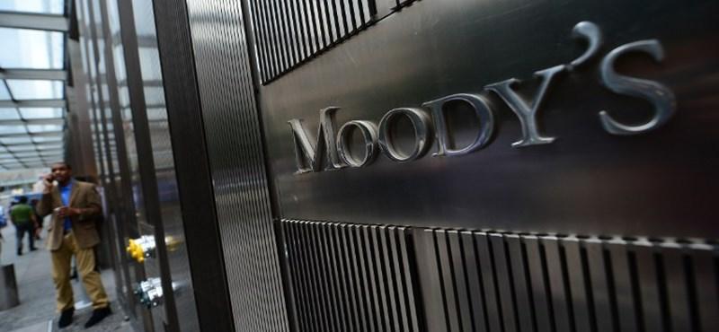 Pozitívra változtatta Magyarország adóskilátását a Moody's