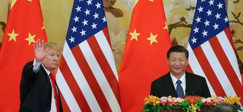 Lélektani határt lépett át a kínai deviza, Peking és Washington egymásra mutogat