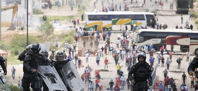 Durván elfajultak a tanártüntetések Mexikóban, többen meghaltak