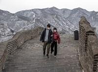 Az örökkévalóságnak épülnek a falak, de az emberek sokszor ledöntik őket