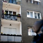 Négyezer lakást vesz az állam az intézetis fiataloknak