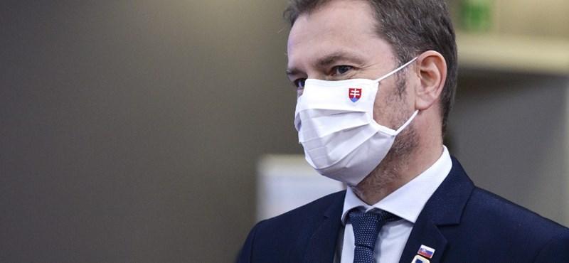 Szlovákiában mindenkit letesztelnek koronavírusra