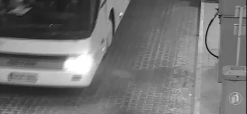 Illegális üzemanyagtartályt, pótüléseket szereltek a Veronánál kigyulladt buszba