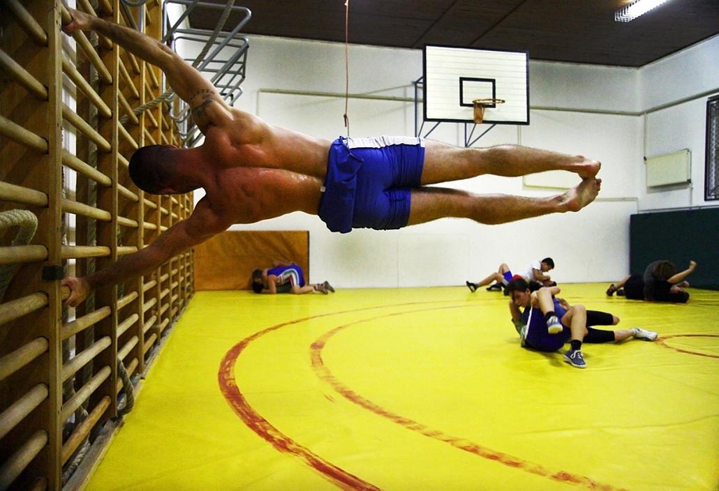 Sajtófotó 2011 - Nagyítás-fotógaléria - Sport - sorozat - 2. helyezett: Az Abonyi Birkózó Club életéből