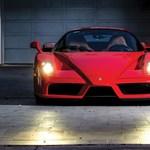 Kalapács alá kerül Tommy Hilfiger Ferrari Enzója