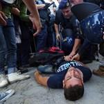 Kiterjesztették a válsághelyzetet, a horvátok nem bírnak a menekültáradattal - menekülthírek percről percre