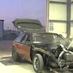 Túl nagy turbókat szereltek a Mustangra, már a fékpadon elfüstölt – videó