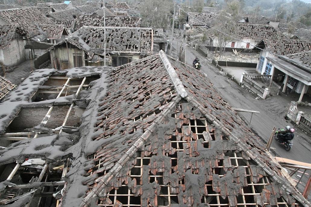 afp. hét képei - 2014.02.17. Malang, Indonézia, vulkán, hamu