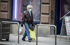 Marad az időseknek fenntartott vásárlási idősáv