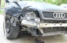 Lenyúlta apja Audiját, majd három autót összetört egy fiatal Tatabányán