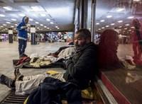 Új kormányzati tervek: a hajléktalanok miatt lezárhatják Budapest nagy aluljáróit
