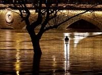 Súlyos videó: a megáradt spanyol folyó mindent visz, amit ér