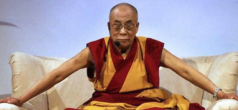 A dalai láma is megkapta az első oltását