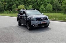 Képeken a nyár elején érkező, frissített Dacia Duster