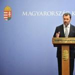 Giró-Szász: tájékoztatási akciósorozatba kezd a kormány