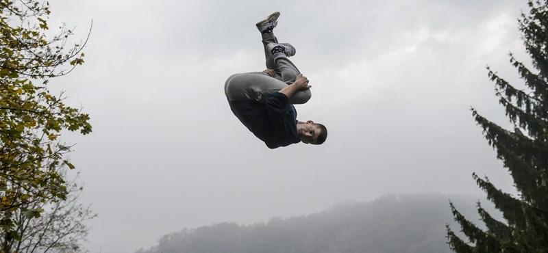 Nem hallucinált, ha ma repkedő fiatalokat látott Salgótarjánban