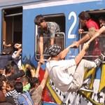 Százhalombattányi tömeg lépett be Magyarországra a hétvégén