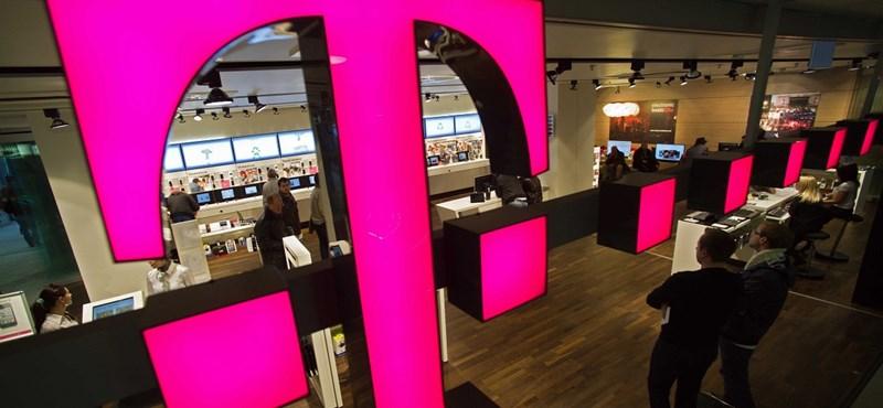 Telefonadó: A Telenor és a Magyar Telekom is emeli a díjait