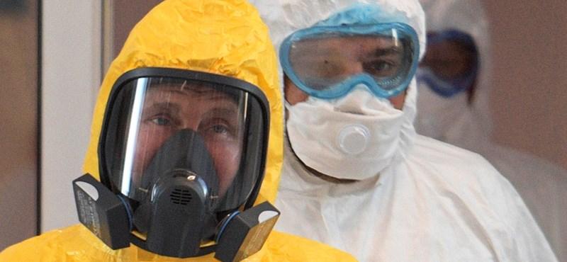 Moszkvai infektológus: Oroszországban a vírus nukleáris reakció mintájára kezdhet terjedni