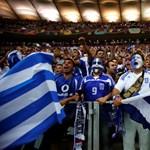 Válsághelyzetben ünnepeltek az utcán a görögök