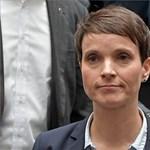 A német populisták egyik társelnöke az első napon beintett a pártjának – videó