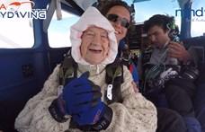 102 évesen is kiugrott egy repülőből a világ legidősebb ejtőernyőse – videó