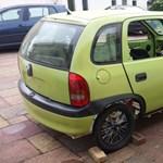 Mindannyiunk gyerekkori álmát építették meg ebből az Opel Corsából – videó