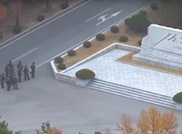 Megszólalt az észak-koreai katona, aki tavaly lőtt sebekkel szökött át a határon