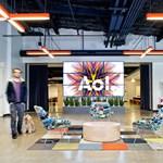 Búgócsiga dizájn - ilyen lett az AOL új irodája