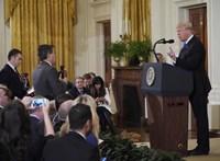 Bíróság: Vissza kell adni a CNN tudósítójának fehér házi belépőjét