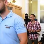 Még súlyosabb büntetést kér az ügyész a halálkamion elítélt vádlottjaira