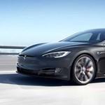 Valós 640 kilométer: hatótávban köröket ver riválisaira a Tesla