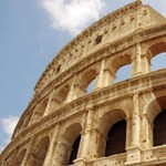 Ismét megrongálták a Colosseumot: most egy német kamasznak támadt nagy ötlete