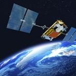 Két műhold kergeti egymást a föld körül, a nevük Tom és Jerry