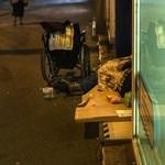 Összefogtak a triesztiek a hajléktalanért, miután az alpolgármester a Facebookon kelt ki ellene