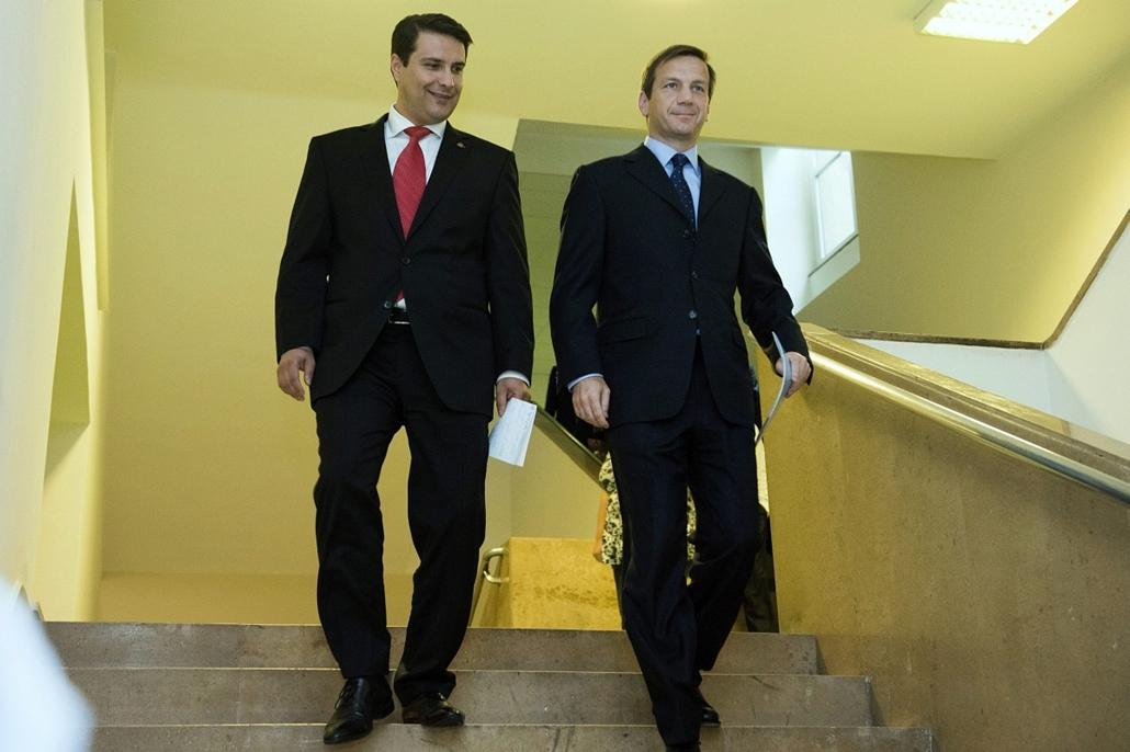 Ellenzéki egyeztetés, Mesterházy Attila MSZP-elnök (b) és Bajnai Gordon, az Együtt-PM szövetség vezetője