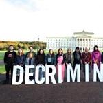 Az abortusz nem bűncselekmény többé Észak-Írországban