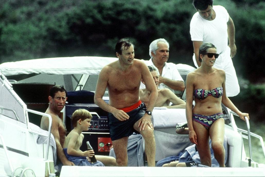 afp.?? - Szardínia: Diana hercegnő és Károly herceg Szardínia szigetén
