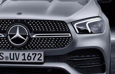 Balesetveszélyes lehet a világító Mercedes-csillag – szervizbe kell vinni az autókat