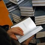 Egymillió bestsellert ajándékoznak el a könyvkiadók