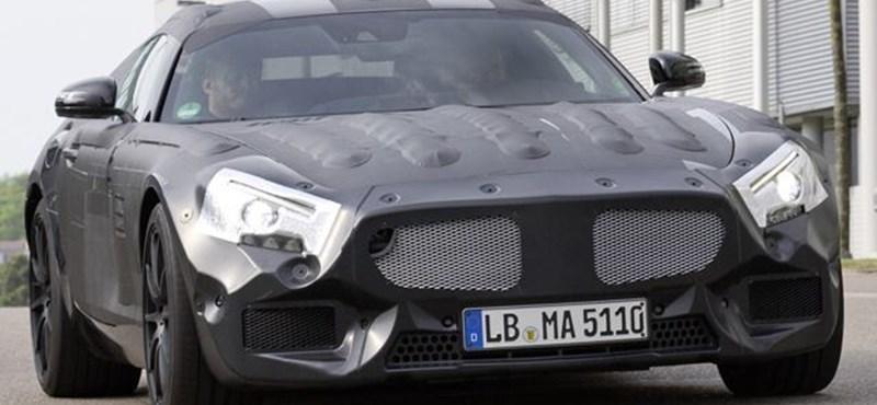 Kémfotón a sirályszárnyú Mercedes utóda