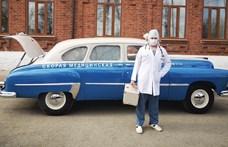 Egy 61 éves orosz mentőautót is bevetnek a koronavírus elleni harcban