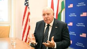 Amerikai nagykövet: Fájdalmas látnom, még mindig létezik igazságtalanság nagyszerű országunkban