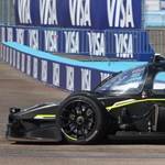 Sofőr nélkül 300-zal: körbejártuk és levideóztuk a világ első önvezető versenyautóját