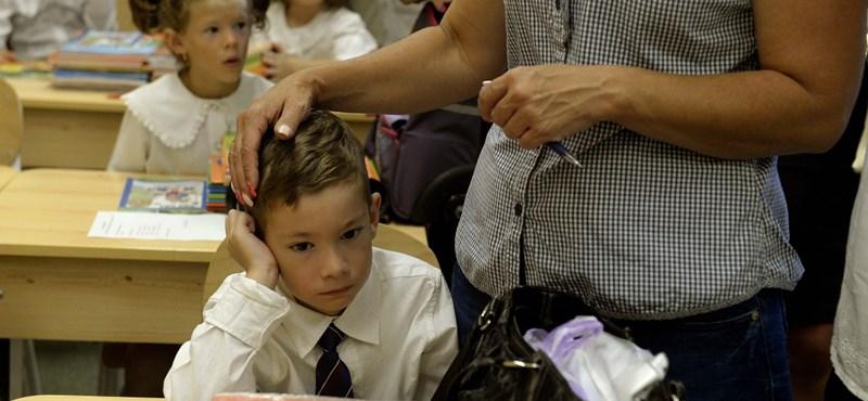 Palkovics: Rövidebbek lesznek a kisiskolások órái