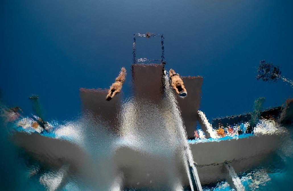 13.07.21. - Barcelona, Spanyolország: a mexikói Ivan Garcia és a német Sanchez harca a FINA vizes VB-n - évképei, az év sportképei