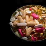 Nemzetközi razzián foglaltak le 90 millió forint értékű gyógyszert Magyarországon