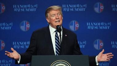 Húsvéti üzenetében is magát dicsérte Donald Trump