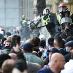 Antirasszisták és szélsőjobboldaliak csaptak össze Londonban