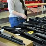 Perelnek az amerikai fegyvertartók, mert korlátozzák jogaikat